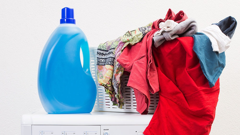 4 No-Fail Ways To Get Rid Of Pesky Stains From Laundry Products